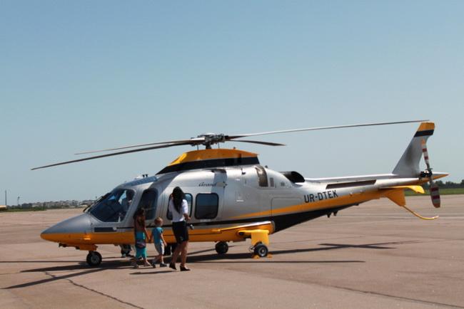 Авиашоу в небе над Мариуполем вызвало восторг жителей и гостей города, фото-7