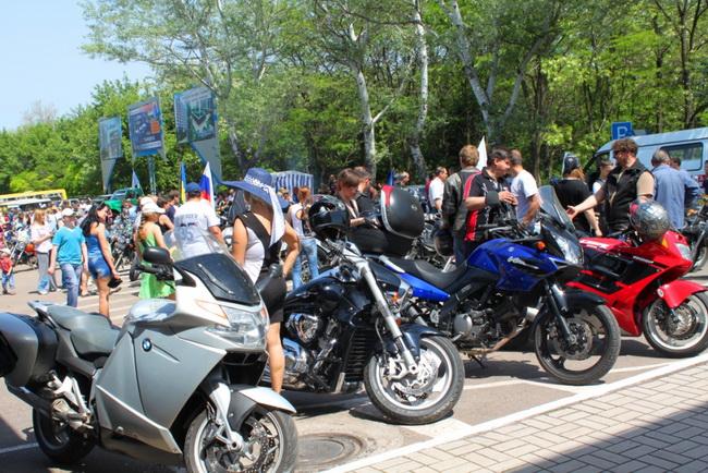 Авиашоу в небе над Мариуполем вызвало восторг жителей и гостей города, фото-4