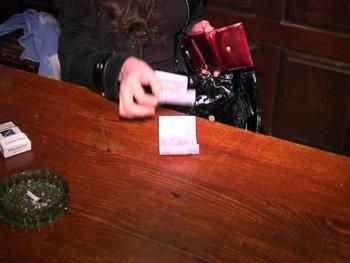 В Мариуполе задержали сводницу, поставлявшую проституток в местную сауну (ФОТО), фото-4
