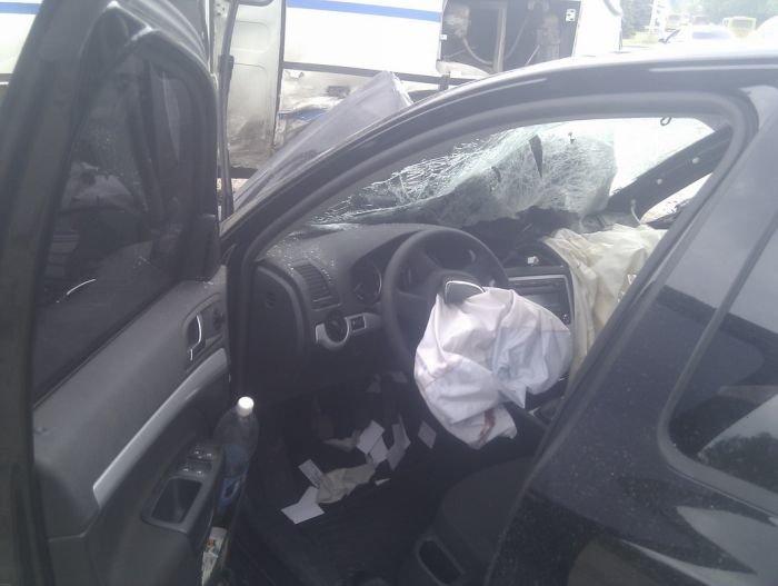 На выезде из Мариуполя столкнулись маршрутка и легковушка (ФОТО), фото-7