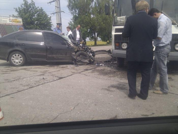 На выезде из Мариуполя столкнулись маршрутка и легковушка (ФОТО), фото-5