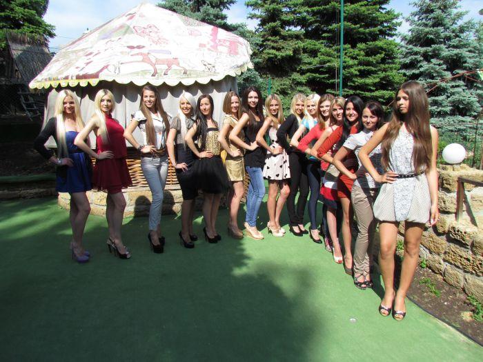 В Мариуполе определили претенденток на звание главной городской красавицы (ФОТО), фото-7