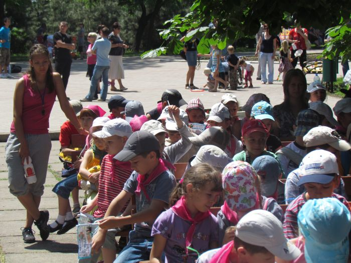 Мариупольская детвора в Городском саду встречала лето (ФОТО), фото-20