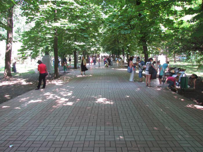 Мариупольская детвора в Городском саду встречала лето (ФОТО), фото-21