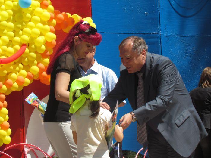 Мариупольская детвора в Городском саду встречала лето (ФОТО), фото-5