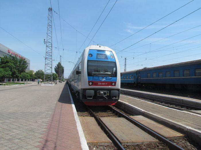Харьковская «Шкода» прибыла в Мариуполь практически пустой (ФОТО), фото-1