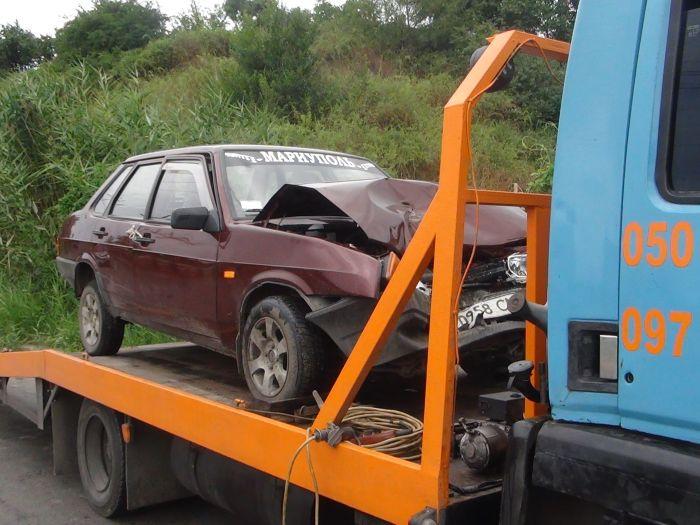 В Мариуполе столкнулись маршрутка с легковушкой - пострадало три человека (ФОТО), фото-4