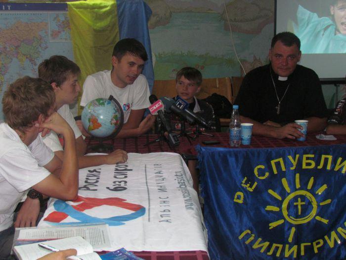 Мариупольские пилигримы воодушевляли россиян усыновлять детей (ФОТО), фото-6