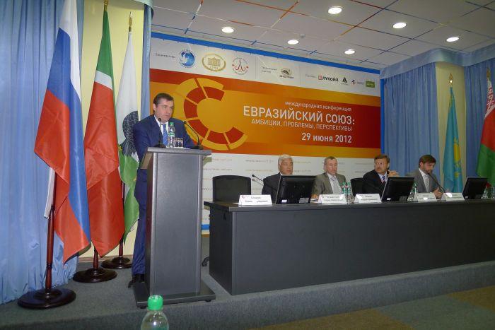 Мариупольский политик принял участие в казанской Конференции, фото-2