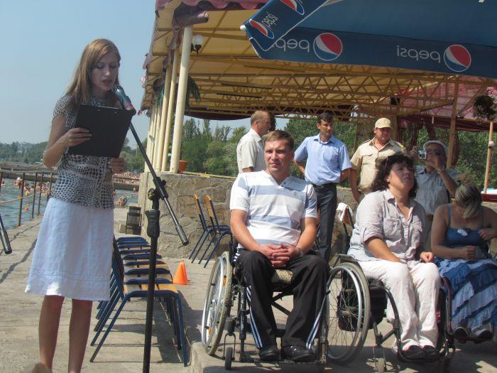 В Мариуполе инвалиды-колясочники соревновались в скорости, меткости и ловкости (ФОТО), фото-1