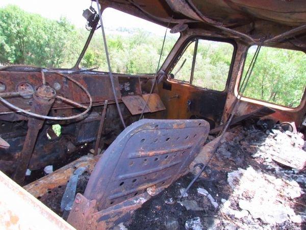 На трассе Донецк - Мариуполь загорелся старый ЗИЛ с соломой (ФОТО), фото-3