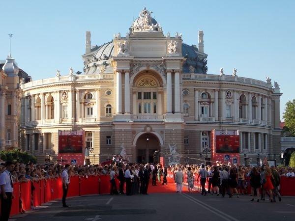 Красная дорожка одесского кинофестиваля: Матвийчук с семьей; cерьезные Пундик с Жванецким (ФОТО), фото-2