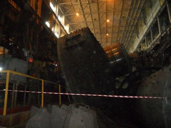 На одном из комбинатов Кривого Рога обрушилась мельница весом 320 тонн (ФОТО), фото-3