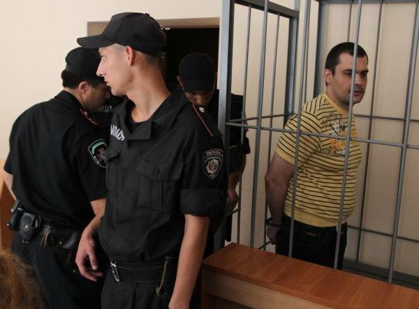 Донецкий общественник, посягнувший на 7 тысяч долларов семьи Януковичей, отправится за решетку на 5 лет (ФОТО, ВИДЕО), фото-1