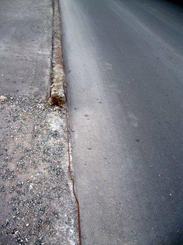 В Донецке устанавливают однодневные бордюры (ФОТО), фото-2
