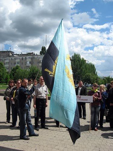 Шахтеры обложили углем Донецкую облгосадминистрацию (ФОТО), фото-2