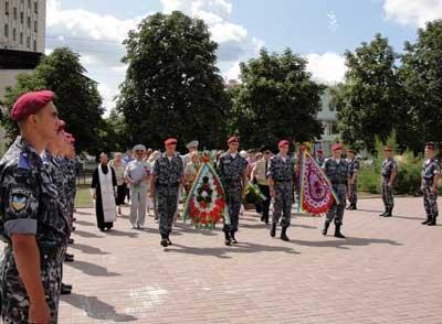 У Кіровограді вшанували пам'ять загиблих при виконанні міліціонерів (ФОТО), фото-1