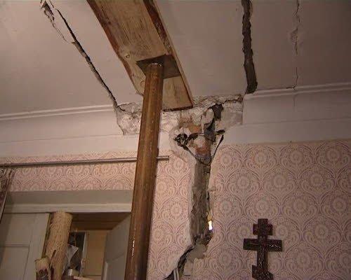 Жилищное бедствие: дом на Совхозной продолжает разрушаться. Жильцов отселили, ждут, когда дом перестанет двигаться, фото-3