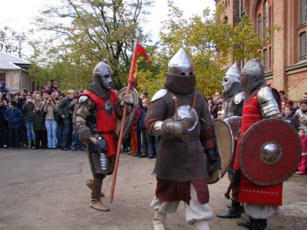 Монголы разгромили тевнонцев. В Николаеве реконструировали исторические битвы (ФОТО), фото-1