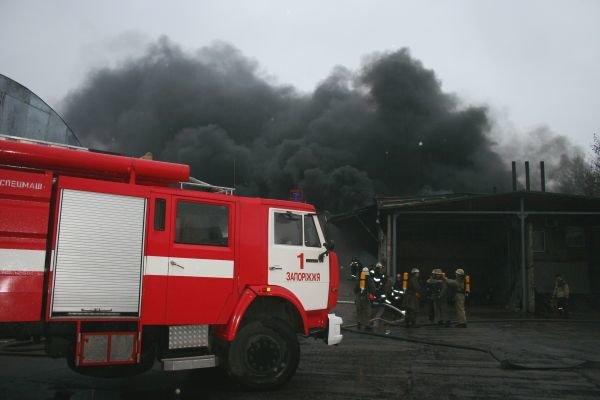 Вчера горел «Запоріжсельбудкомплект» (ФОТО), фото-2