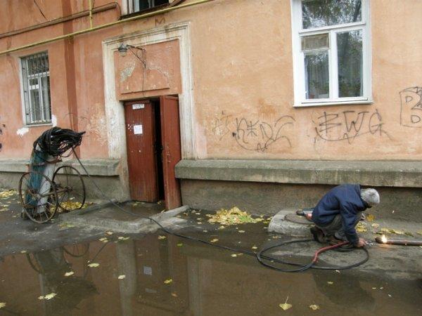 Сегодня в Николаеве в 4-этажке прогремел взрыв – на крыше лопнула труба отопления, квартиры захлебнулись водой (ФОТО), фото-4