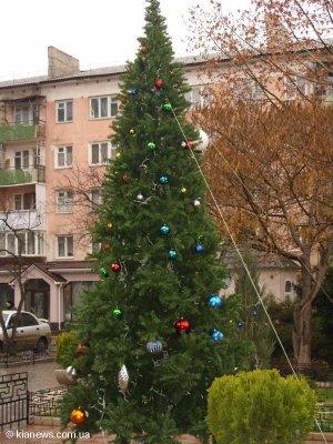 Симферополь украсили новогодние елки (ФОТО), фото-1