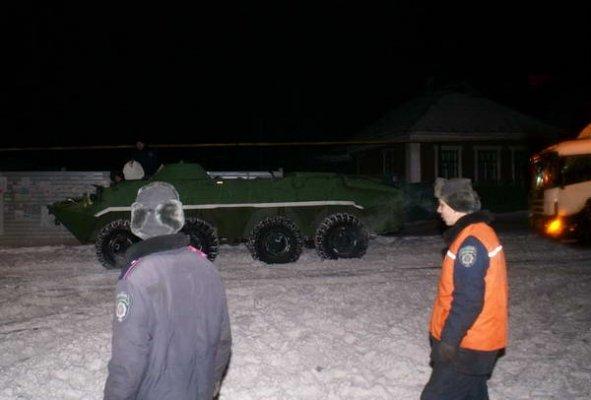 Донецк расчищали от снега БТРы (ФОТО), фото-2