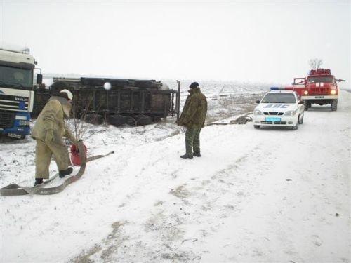 В районе пгт. Приазовское перевернулся грузовик (ФОТО), фото-2