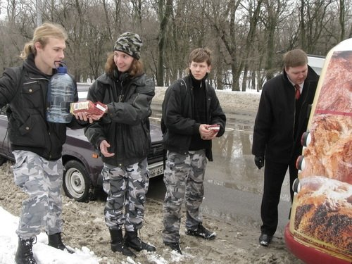 Запорожским птичкам повезло - их покормили (ФОТО), фото-1