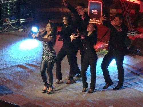 «Солнечный» концерт Ани Лорак согрел публику февральским вечером (фото), фото-4