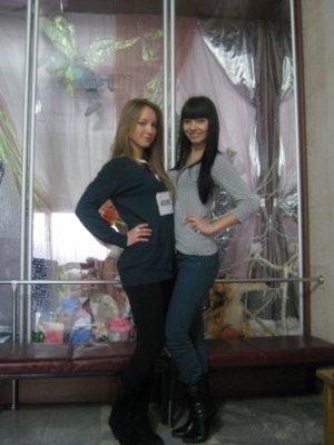 Кастинг талантов в Луганске: участники пели авторские песни и садились на шпагат (фото), фото-1