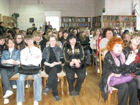 Луганская библиотека приглашает на фестиваль патриотического кино (фото), фото-3