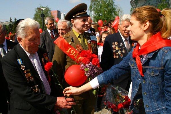 В Донецке отметили 9 мая взятием Берлина (фото), фото-1