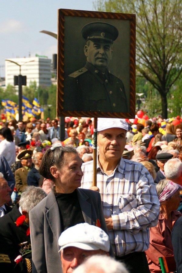 В Донецке отметили 9 мая взятием Берлина (фото), фото-4