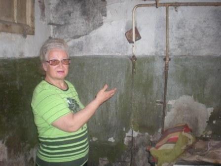 Горловские власти обещают сделать ремонт в подаренных Януковичем квартирах, фото-1