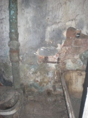 Горловские власти обещают сделать ремонт в подаренных Януковичем квартирах, фото-2