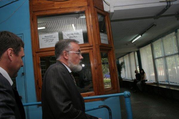 В Донецке Дмитрию Табачнику показывали «потемкинскую деревню» (фото), фото-3