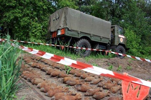 На Луганщине МЧС-никам пришлось эвакуировать жителей села Смоляниново (фото), фото-2