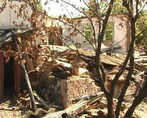 На Луганщине подростки вытащили из огня семью из 7 человек (фото), фото-2