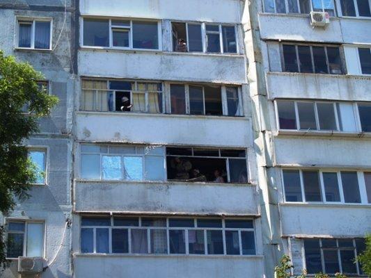 Вчера МЧСники тушили пожар в 9-этажке (ФОТО), фото-1