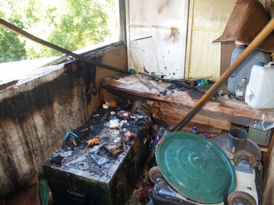 Вчера МЧСники тушили пожар в 9-этажке (ФОТО), фото-3