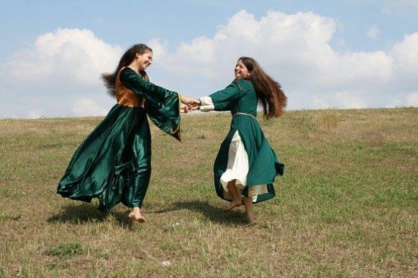 Сегодня в замке Попова на три дня поселятся рыцари, эльфы, ведьмы и прочие занятные личности (ФОТО), фото-1