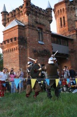Сегодня в замке Попова на три дня поселятся рыцари, эльфы, ведьмы и прочие занятные личности (ФОТО), фото-2