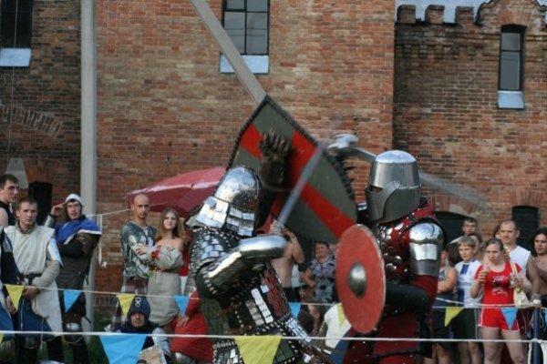 Сегодня в замке Попова на три дня поселятся рыцари, эльфы, ведьмы и прочие занятные личности (ФОТО), фото-4