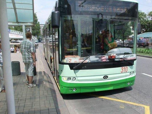 В Донецке прошел испытания новый «навороченный» троллейбус (фото), фото-1
