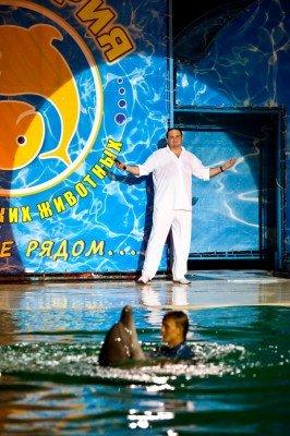 В Ялте оперный певец Гришко провел шоу c морскими животными (ФОТО), фото-1