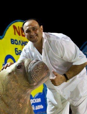 В Ялте оперный певец Гришко провел шоу c морскими животными (ФОТО), фото-3