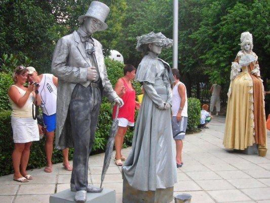 День Ялты отметили шоу великанов, выступлением театра на ходулях и выставкой живых скульптур (ФОТО), фото-3