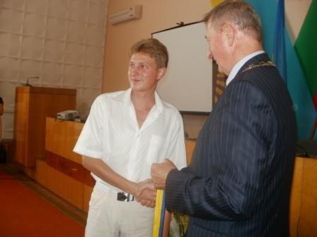 Мэр поздравил победителей городского конкурса  «Признание», фото-3