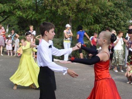 Жители Комарова отметили праздник поселка, фото-4